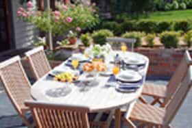 Bellerive House - outdoor breakfast