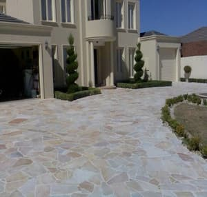 Quartz crazy paving