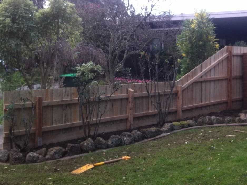 how to add heigh5 to a timber fence
