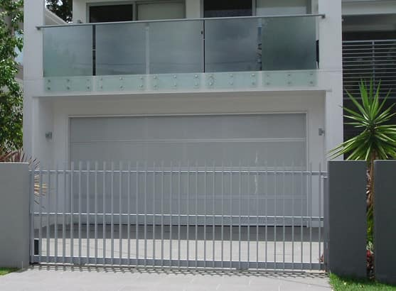True local low cost garage doors gates image for Garage low cost