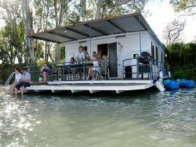 Murray Dream Houseboat Bed and Breakfast, Renmark, Riverland, South Australia