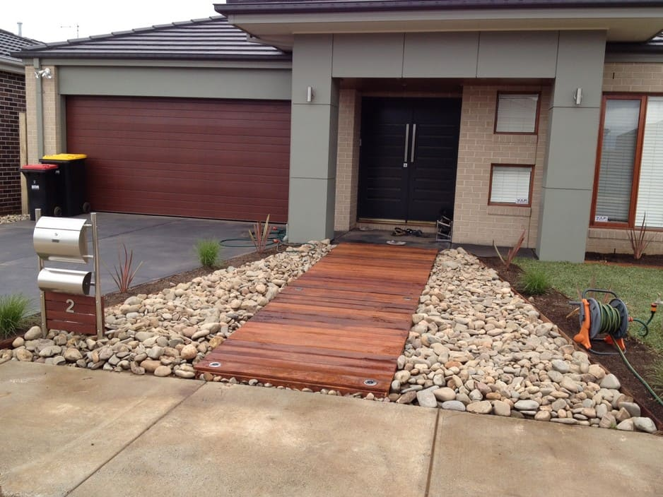 Melton merbau in melton vic landscaping truelocal for Front garden decking ideas