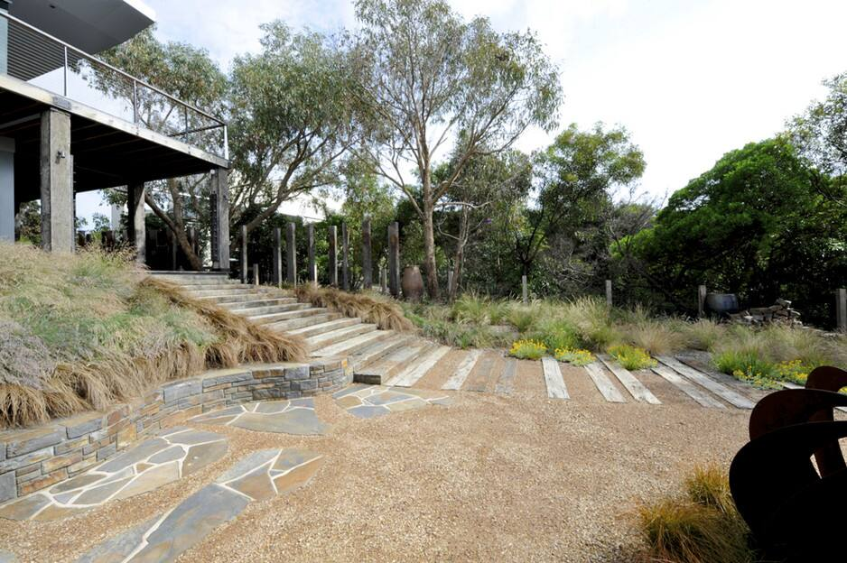 Ocean road landscaping in anglesea vic landscaping for Landscaping rocks geelong