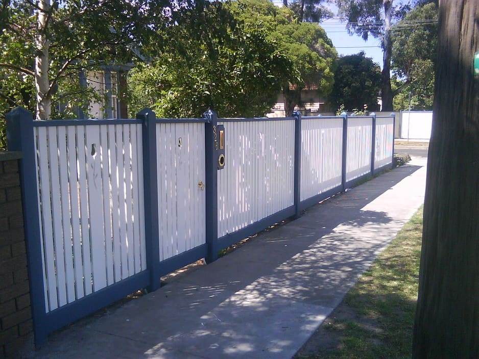 Steel Tubular Security Fence Withe Gateand Lockwood Locks