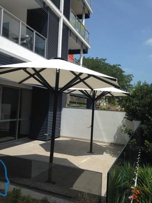 Shade and Play Pic 4 - Center post Octagonal umbrellas with no valance 2017