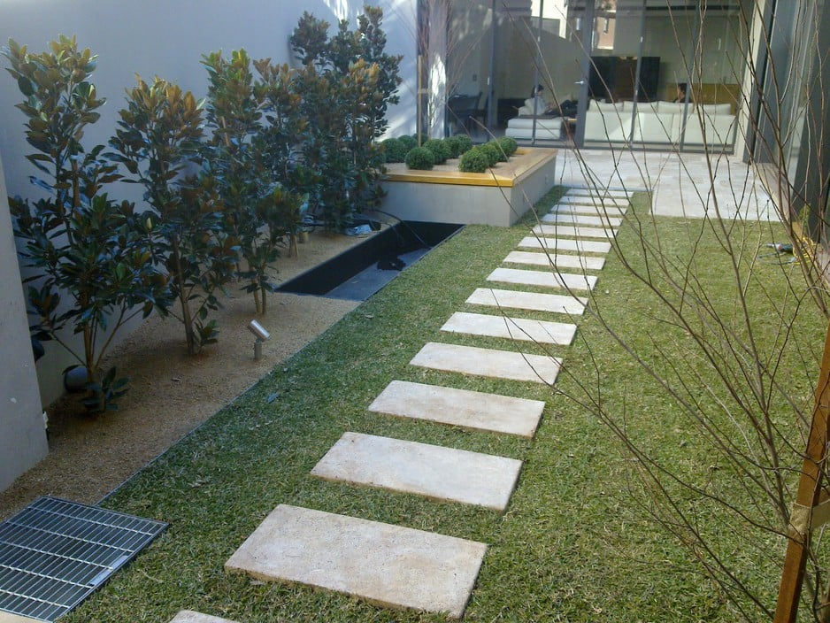 Optimal outdoor design in allawah sydney nsw for Courtyard landscape design