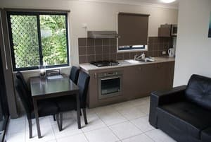 Kangaroo Country Caravan Park Pic 3 - 2 BEDROOM VILLA