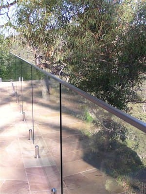 de Fence Pic 3 - glass balcony with handrail