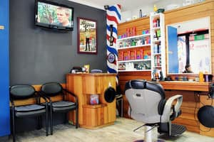 Edward Scissorhands Barber Shop Pic 3 - Traditional Barber Shop for mens cuts in St Kilda