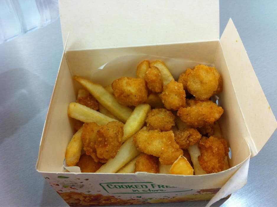 KFC Pic 2 - Snack box of popcorn chicken and chips good price cooked well