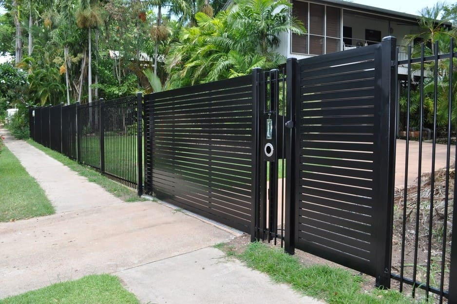 Darwin Fencing And Fabrication Pic 1