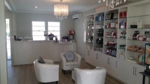 Skin Focus Pic 2 - Elegant Sophisticated Reception Client Waiting Room