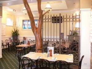 The Yarrawonga Hotel Pic 2 - The Yarrawonga Hotel dining room has a great menu and lovely ambience