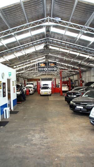 Bridge Auto Repairs Pty Ltd Pic 3 - Modern clean workshop
