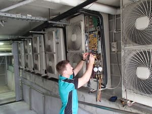 Frozone Air Pty Ltd Pic 3 - Servicing Daikin VRV system