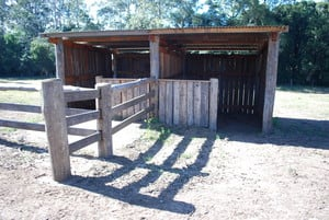 Select-A-Fence Pic 2 - double horse stables with washbay