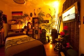 Bella Bina Pic 1 - African Massage Room