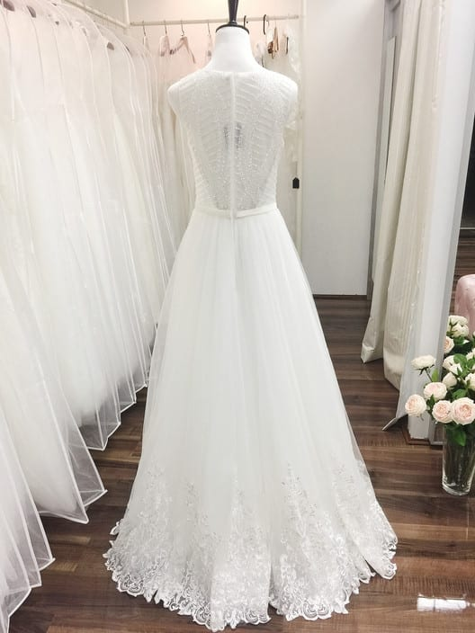 Fiona's Wedding Dress Shop Pic 2