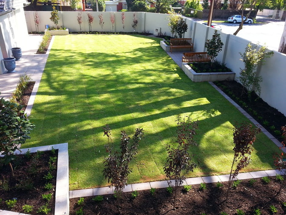 Stringybark landscaping in mylor adelaide sa for Landscape design adelaide hills