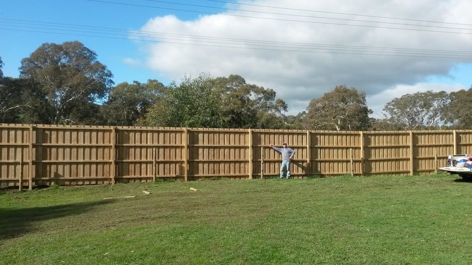 Mike Thiele Fencing and Retaining Walls Pic 1