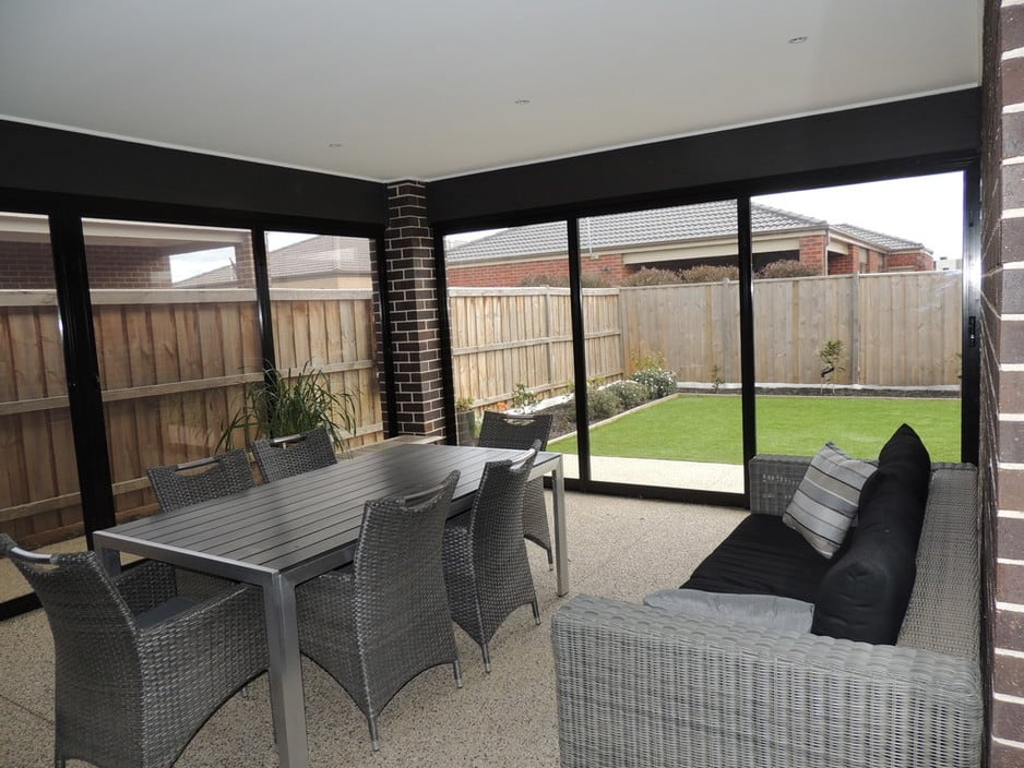 Optiscreen Pic 1 - Create an outdoor room turn your Veranda Pergola or Alfresco area into another living zone