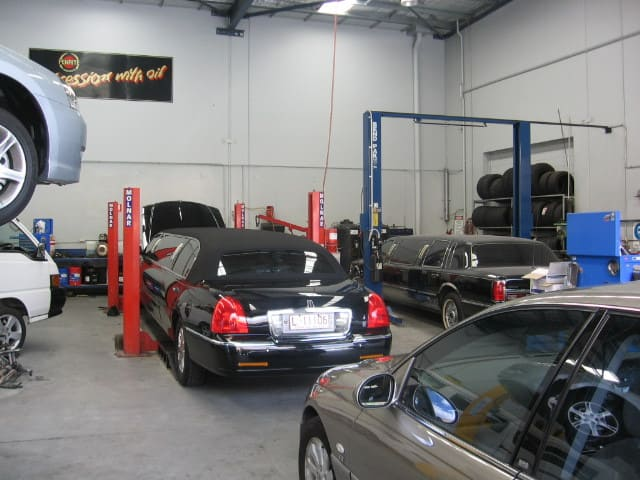 Fleet Tec Automotive Pty Ltd Pic 1 - inside workshop