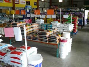 Acacia Pet Supplies & Produce Pic 4
